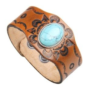 Jewelry - 💕Boho Steampunk leather cuff